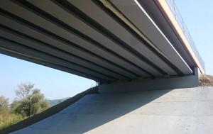 Защита на бетона с антикорозионно боя на мост от магистрала Тракия.